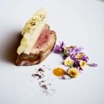Filet de veau , blettes , Antésite et fleurs de ciboulette